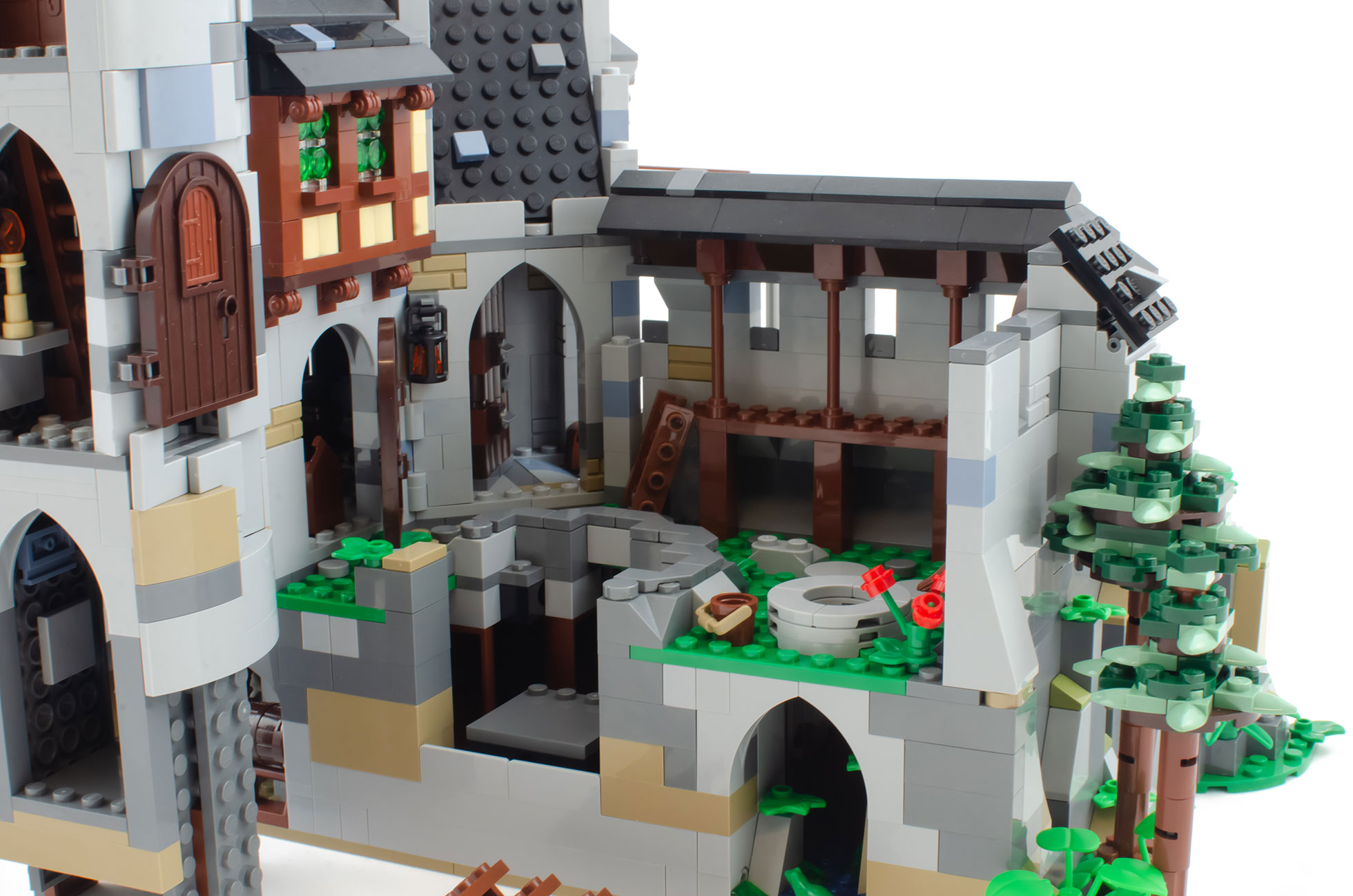 Lowenstein Castle A Medieval Defensive Architecture Set For Adult Fans Of Lego Bricklink