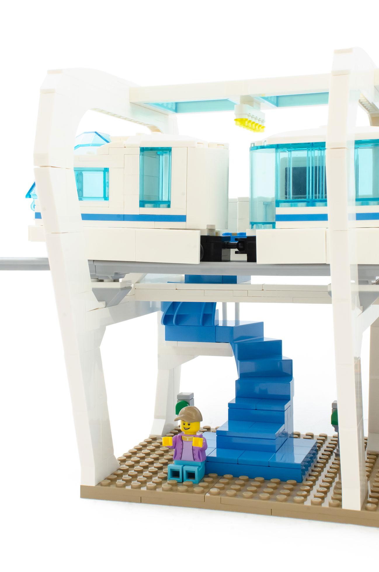 Skyline Express] A sleek monorail train set designed for Adult Fans