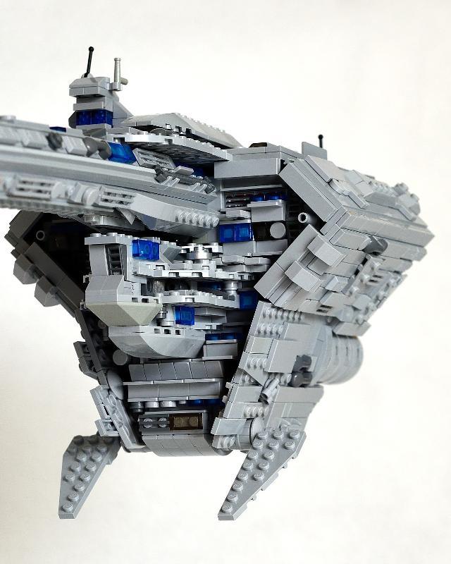 UCS] Star Wars Nebulon-b Frigate