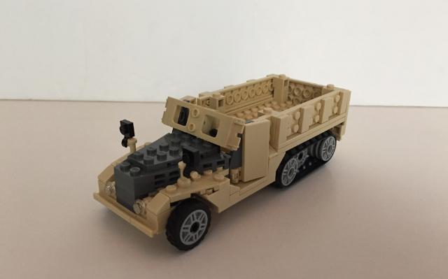 American WWII M3 half-track vehicle MOC